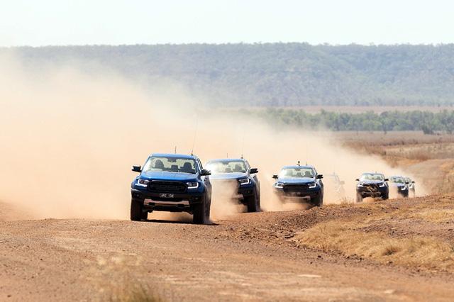 Ford Ranger Raptor ra đời sẽ cạnh tranh cùng các đối thủ Chevrolet Colorado ZR2 và Toyota Tacoma TRD Pro.